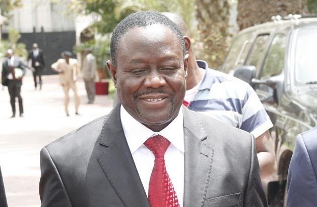 MALGRE DES ERREURS SUR SA CNI – Mbaye Ndiaye finit par voter