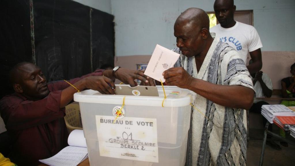 """Ndiaga Sylla parle de """"recul democratique"""""""