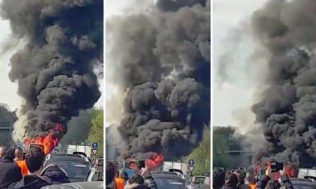Milan : Un Sénégalais met le feu sur un bus transportant 51 élèves