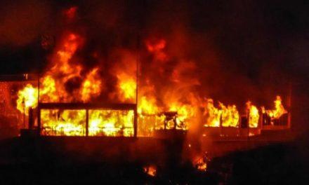 Violent incendie à Bandafassy : la radio communautaire et le centre multifonctionnel touchés