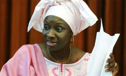 Amnistie pour Khalifa et Karim : Mimi Touré écarte la thèse du complot