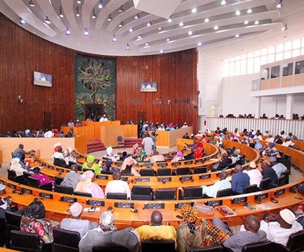 Les députés en séance plénière, vendredi