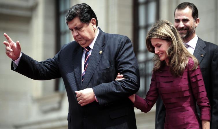 L'ancien président péruvien, Alan García, se suicide