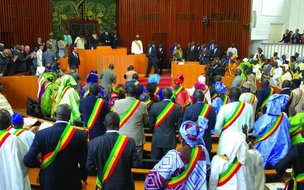 Révision constitutionnelle : les députés convoqués en plénière samedi 4 mai prochain