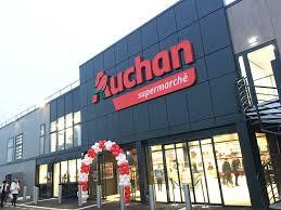 Grande distribution : Auchan cède 21 magasins, 723 salariés concernés