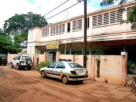 CASAMANCE  – La gendarmerie découvre un corps sans vie et met en isolement 16 personnes