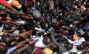TENTATIVE DE MUSELLEMENT DE LA PRESSE – Les acteurs des médias dans la rue le 3 mai
