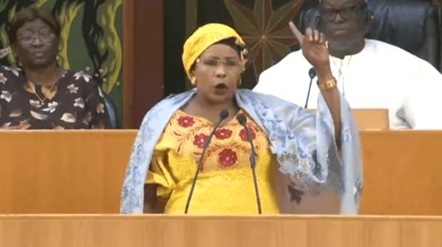 """ASSEMBLÉE NATIONALE : Mame Diarra Fam insinue la """"destitution du PM pour incompétence"""""""