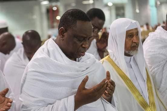 Macky en Oumra à la Mecque