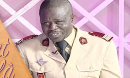 """Macky donne un """"lot de consolation"""" à Mame Thierno Dieng"""