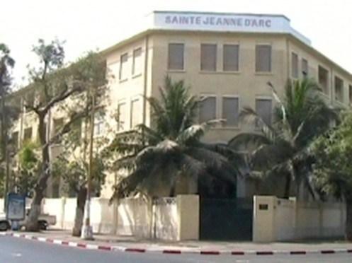 Interdiction du voile à l'institution Sainte Jeanned'Arc :les précisionsde AbbéPièrreNdione