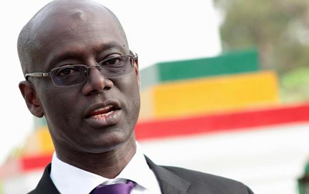 LIVRE SUR LE PETROLE – Thierno Alassane Sall éclabousse, Macky, Boun Abdallah Dionne et Aliou Sall