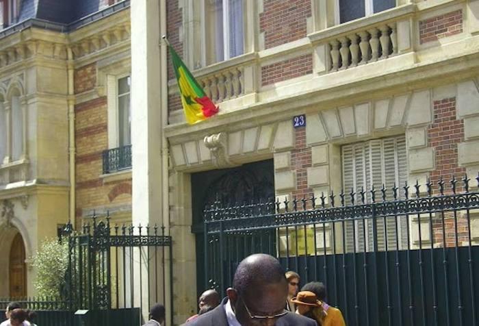 Départs croisés sur l'axe Paris-Dakar : les ambassadeurs respectifs en fin de mission