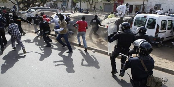 "Rassemblement de ""AAR LI NU BOKK"" : les premières arrestations"