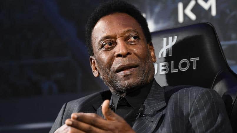 Pelé sous le charme des «Lions» du Sénégal
