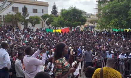 UCAD : la visite de Sadio Mané perturbée par des jets de pierres