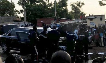 Mercedes de Macky Sall en feu : une enquête est ouverte