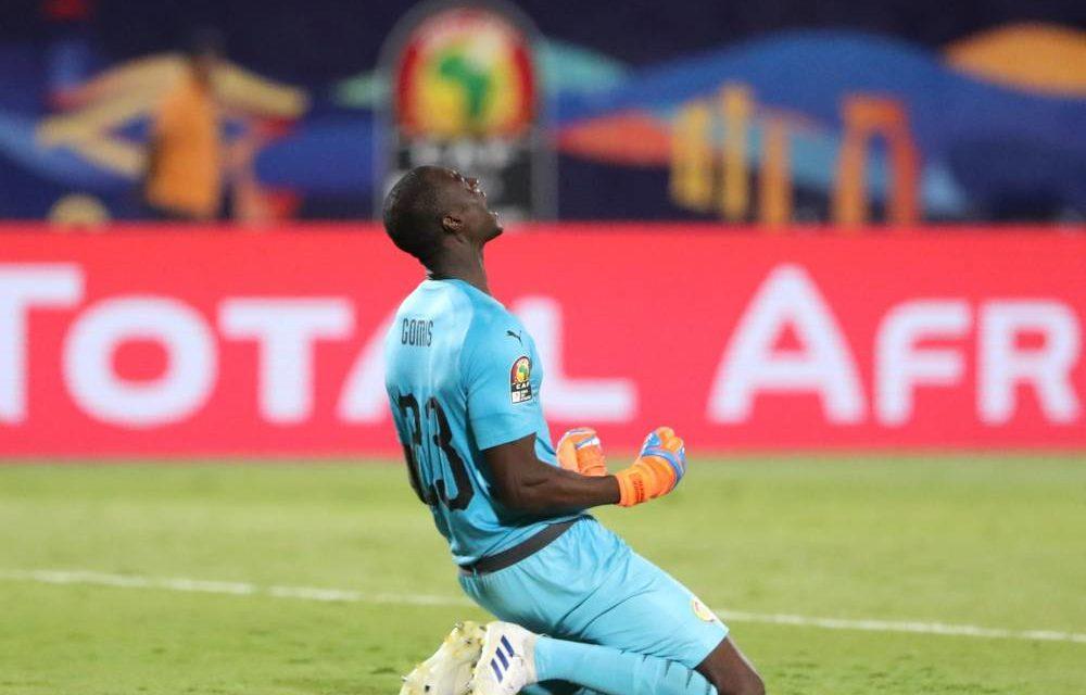 """FOOTBALL  – Alfred Gomis incertain pour les prochains matches des """"Lions"""""""