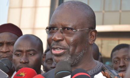 FRONDE AU PDS – Oumar Sarr et compagnie tirent sur Karim Wade