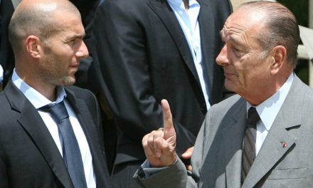 FRANCE : Zidane rend hommage à Jacques Chirac