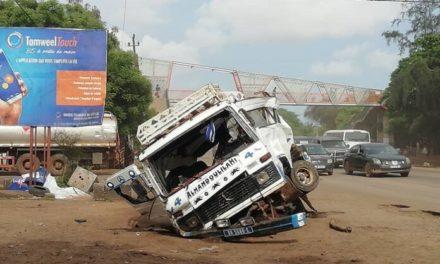 KAOLACK – Un véhicule se renverse, prend feu et fait un mort