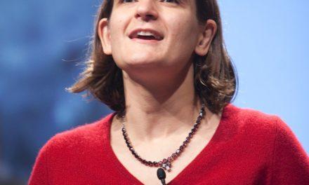 """Prix """"Nobel"""" d'économie 2019 : la française Esther Duflo et deux Américains récompensés"""
