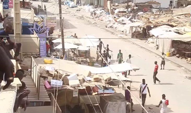 MARCHE OCASS – Le pan d'un bâtiment s'effondre sur une dame