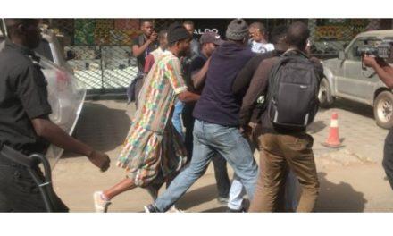 """FADEL BARRO SUR LES POLICIERS DÉGUISÉS EN BAYE FALL – """"Les Mourides doivent porter plainte"""""""