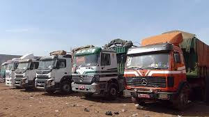 TRAFIC DE GRAINES D'ARACHIDES  15 camions immobilisés, les chauffeurs verbalisés