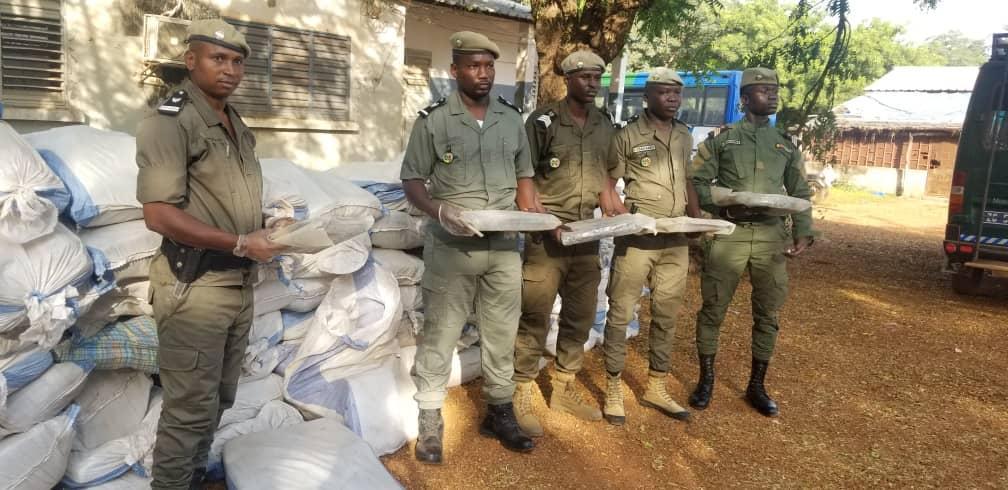 EXPLOITATION CLANDESTINE DE MINERAIS – La Douane arrête 7 personnes à Kédougou