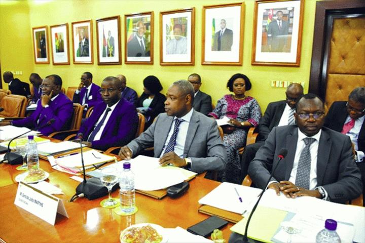 UEMOA – Réunion des ministres sur le passage du Cfa à l'Eco