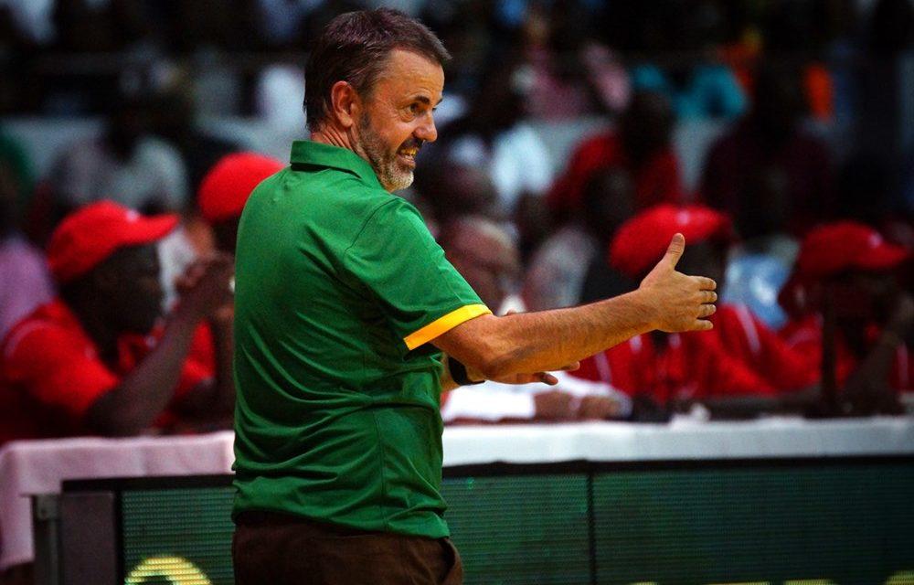 BASKET-BALL – Porfirio Fisac encore sur le banc des Lions