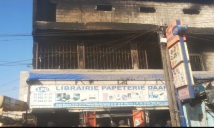 LIBRAIRIE DAARADJI – Plus de 100 millions emportés par les flammes
