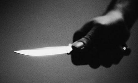MEURTRE A BIGNONA – Papo plante des coups de couteau dans le ventre de son père