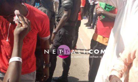(Photos + Vidéos) MANIF DE NOO LANK – Des jeunes jettent des pierres et font des victimes parmi les manifestants