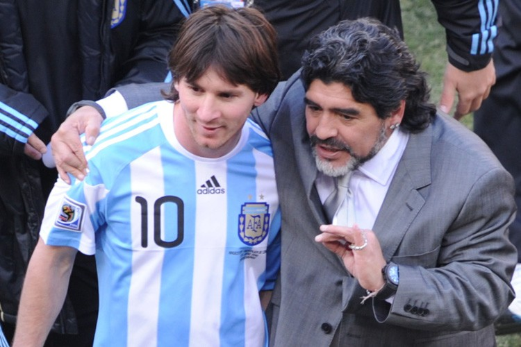 FOOTBALL – Maradona encense Messi