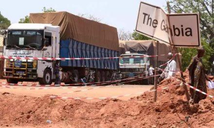 TRANSGAMBIENNE – Les Gambiens suspendent leur décision de bloquer les véhicules sénégalais