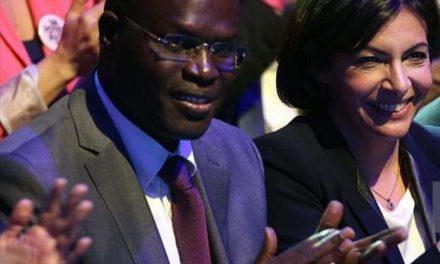 REELUE MAIRE DE PARIS  – Anne Hidalgo reçoit les félicitations de Khalifa Sall