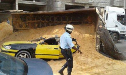 ACCIDENT A ZIGUINCHOR – Un camion de sable tue un homme a bord d'un scooter
