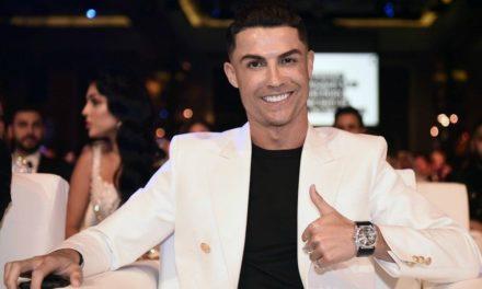 Cristiano Ronaldo premier footballeur milliardaire
