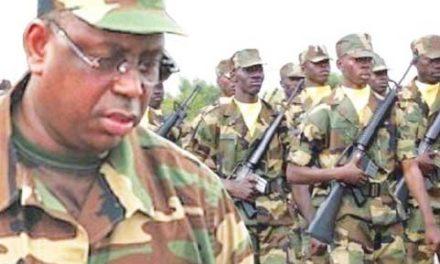 CASAMANCE – Macky Sall rend hommage aux deux soldats morts dans l'explosion d'une mine