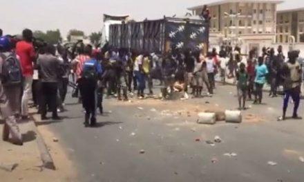 TOUBA-MBACKE-TIVAOUANE-TAMBA – Série de manifestations contre le couvre-feu