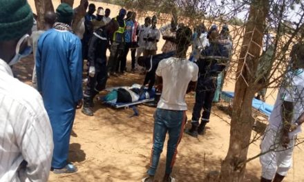 HORREUR A COKI – Un homme coincé mortellement par un tracteur