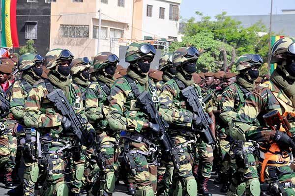 CORONAVIRUS – Une centaine de soldats sénégalais contaminés en Gambie