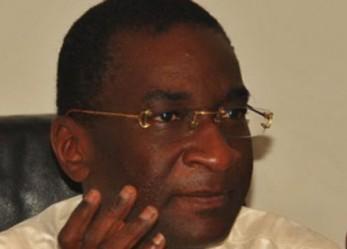 KING FADH PALACE – Racine Sy sert une plainte à un délégué du personnel