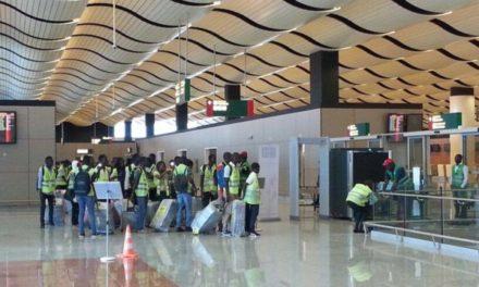 """TRANSPORT AÉRIEN – Les travailleurs alertent sur """"une banqueroute collective"""""""