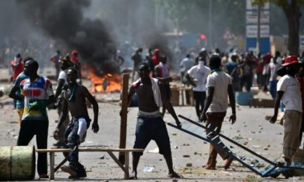 OUAKAM – Affrontements entre la gendarmerie et des habitants de la cité Terme Sud