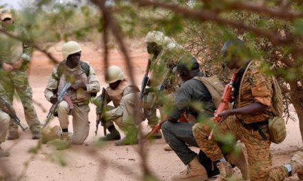 Vingt-cinq morts dans l'attaque d'un convoi de déplacés au Burkina, dit l'Agence des Nations unies pour les réfugiés