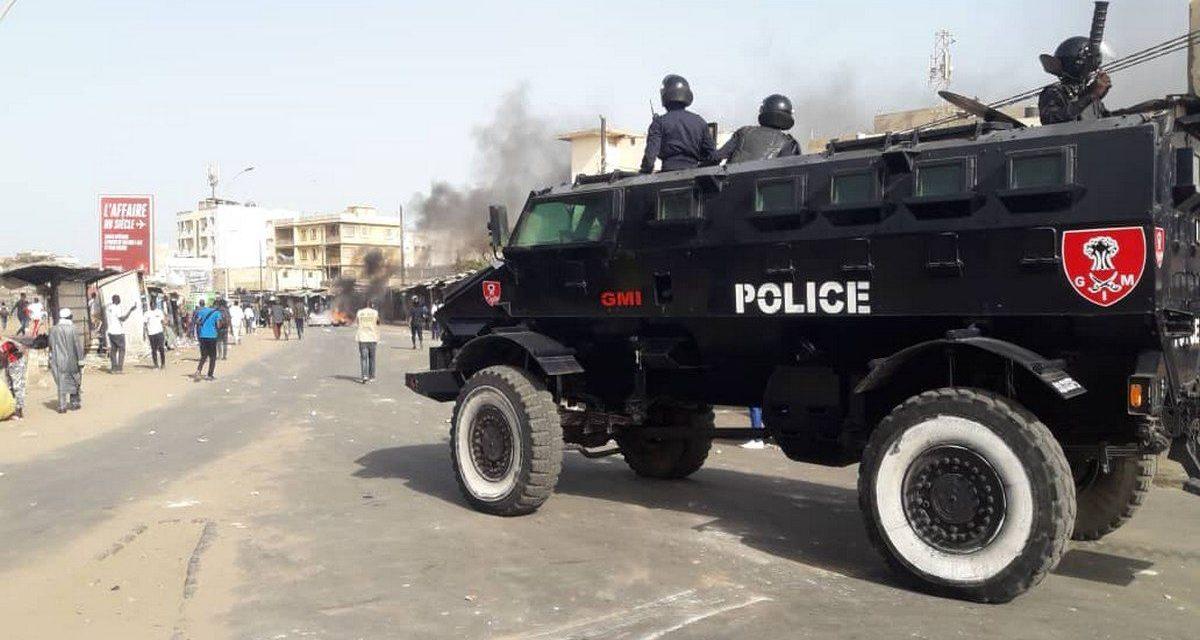 MANIFESTATIONS DES RESSORTISSANTS GUINEENS – Les menaces du Préfet de Dakar !