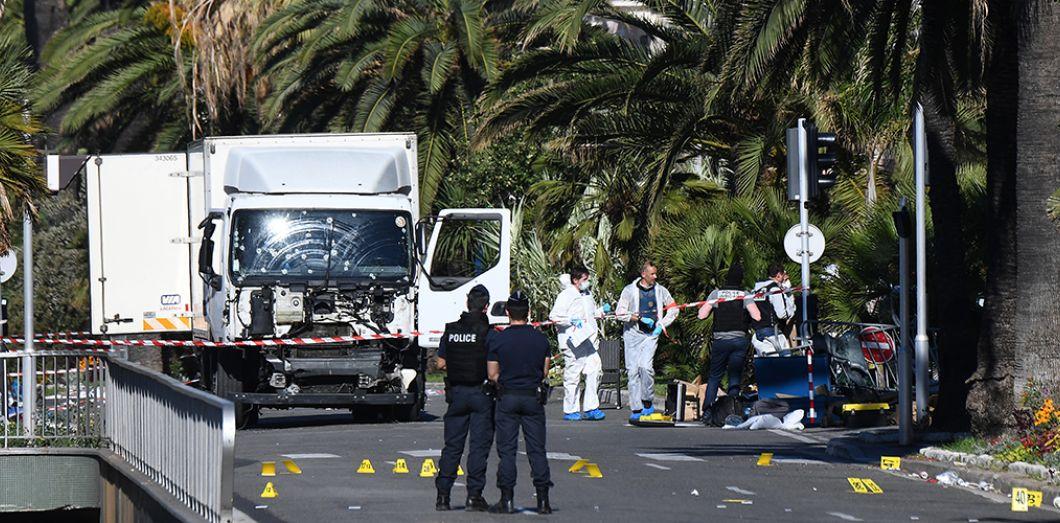 ATTENTAT A NICE – Ce que l'on sait de l'attaque qui a fait trois morts